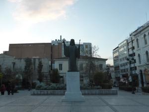 026. Atenas. Plaza frente a la catedral