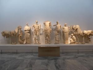 161. Olimpia. Museo. Frontón oriental del templo de Zeus