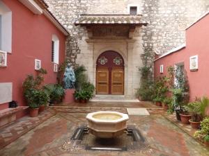 27. Algemesí. San Jaime. Acceso a capilla Beata Pepa