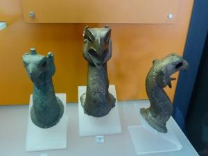 317. Delfos. Museo. Grifos