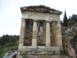 368. Delfos. Tesoro de los atenienses