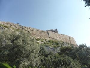 514. Atenas. Acrópolis. Murallas sur