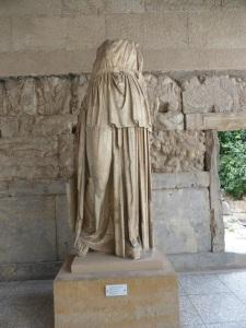 550. Atenas. Ágora. Stoa de Atalos. Apolo Patroos. 2ª mitad del IV aC