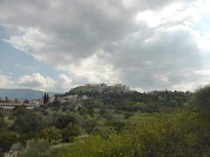 563. Atenas. La Acrópolis desde el Hefesteion