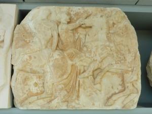 616. Atenas. Museo de la Acrópolis. Frisos y metopas del Partenón