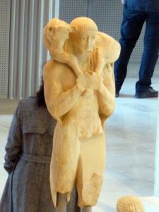 631. Atenas. Museo de la Acrópolis. El Moscóforo