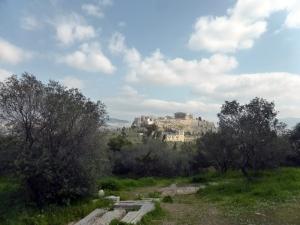 685. Atenas. Bajando de la colina de Filopapo