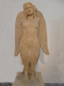 730. Atenas. Museo Arqueológico Nacional. Sirena. Keramikos. 330 aC
