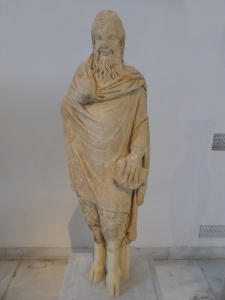 757. Atenas. Museo Arqueológico Nacional. Estatua de Pan, hallada en Esparta. Copia del siglo I de un original del IV aC