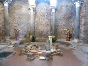 012. Fréjus. Baptisterio merovingio