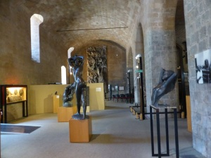 041. Orvieto. Obras de Emilio Greco en el Palacio Soliano (Museo de la Opera del duomo)