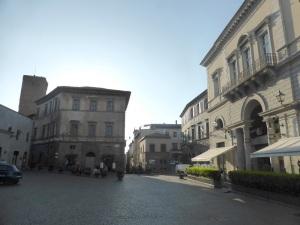 055. Orvieto. Piazza della Reppublica