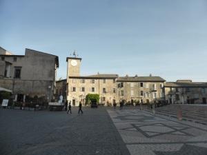 074. Orvieto. Piazza del Duomo