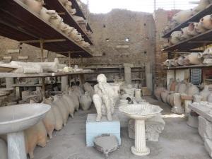 090. Pompeya. Almacenes y calcos en el Foro