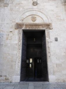 1047. Bari. San Nicolás de Bari. Fachada. Puerta norte