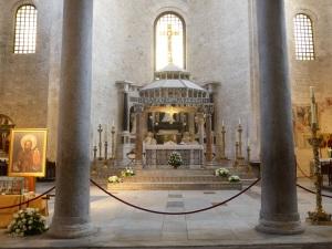 1054. Bari. San Nicolás de Bari. Presbiterio 2