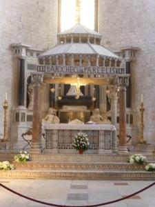 1055. Bari. San Nicolás de Bari. Presbiterio 3