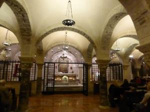 1068. Bari. San Nicolás. Cripta