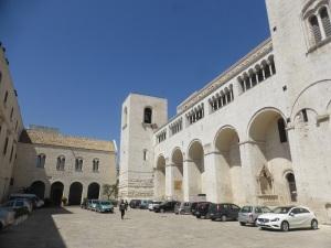 1083. Bari. San Nicolás de Bari. Muro sur