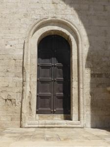 1085. Bari. San Nicolás de Bari. Puerta en muro sur 2