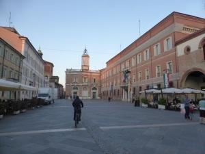 1133. Rávena. Piazza del Popolo