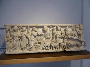 1148. Museo Nacional. Sarcófago romano de niño. Siglo I a. C.