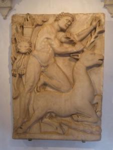 1163. Rávena. Museo Nacional. Hércules capturando la cierva. Siglo VI