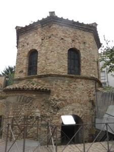 1257. Rávena. Baptisterio de los arrianos