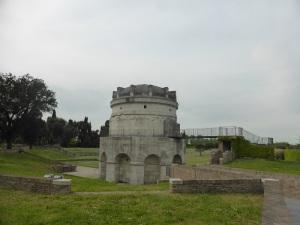1287. Rávena. Mausoleo de Teodorico