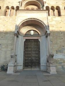 1421. Parma. Duomo. Portada principal