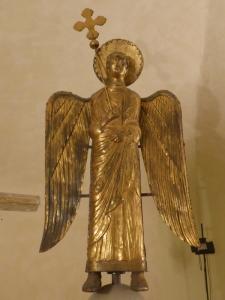 1465. Parma Museo Diocesano. Ángel en cobre dorado que coronaba la catedral