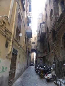 234. Nápoles
