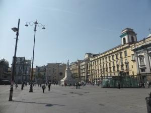 246. Nápoles. Piazza Dante