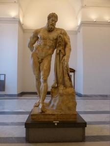 282. Nápoles. Museo Arqueológico Nacional. Hércules en reposo. Copia romana del principios del III de original griego del IV a. C.