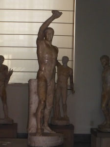 353. Nápoles. Museo Arqueológico Nacional. Los tiranicidas. Harmodio.
