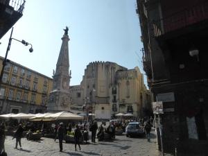 374. Nápoles