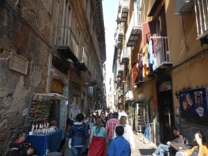 375. Nápoles