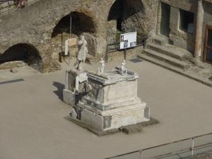 696. Herculano