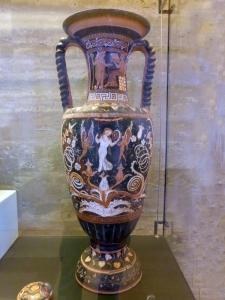 892. Paestum. Museo