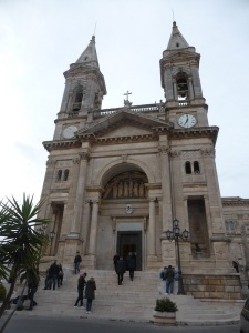 899. Alberobello. Basílica Santos Médicos
