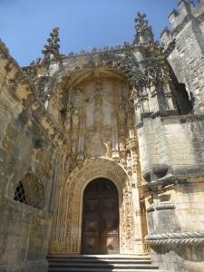 099. Tomar. Convento de Cristo. Portada de la iglesia