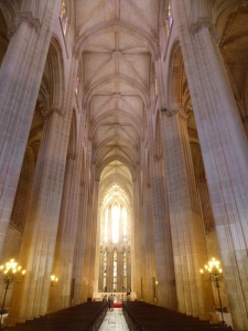 190. Monasterio de Batalha. Nave central