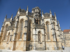 242. Monasterio de Batalha. Capelas Imperfeitas. Exterior
