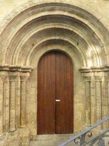 329. Coimbra. Iglesia de Santiago. Portada sur