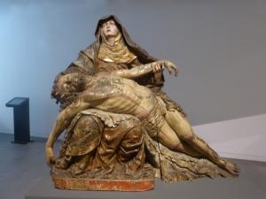 411. Coimbra. Museo Machado de Castro. Piedad. Hoy se atribuye a Cipriano da Cruz Sousa, antes a Juan de Juni
