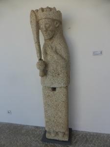 471. Rates. Museo. Escultura de D. Alfonso Enríquez, probablemente. XII. Procede de San Pedro