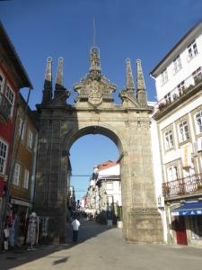 513. Braga. Arco de la Puerta Nueva