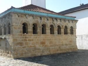 571. Bragança. Castillo. Domus municipalis