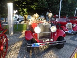 587. Bragança. Exposición coches de bomberos antriguos