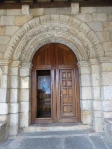 621. Puebla de Sanabria. Santa María del Azogue. Portada sur
